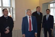 Уполномоченный по правам человека в Хабаровском крае И. Чесницкий посетил Центр временного содержания иностранных граждан